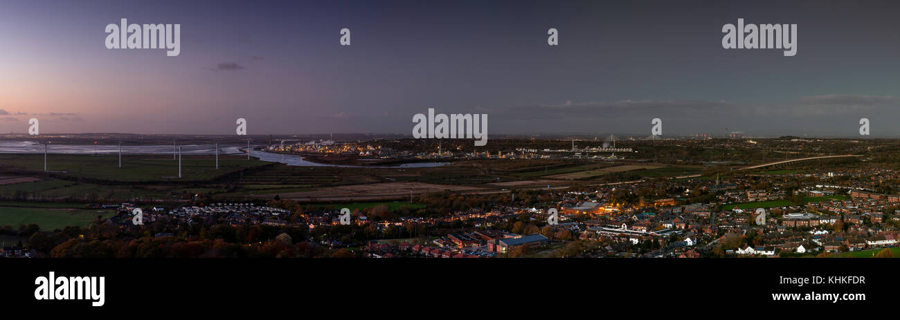 Panoramic view of Frodsham and Runcorn and the Mersey estuary at dusk. - Stock Image