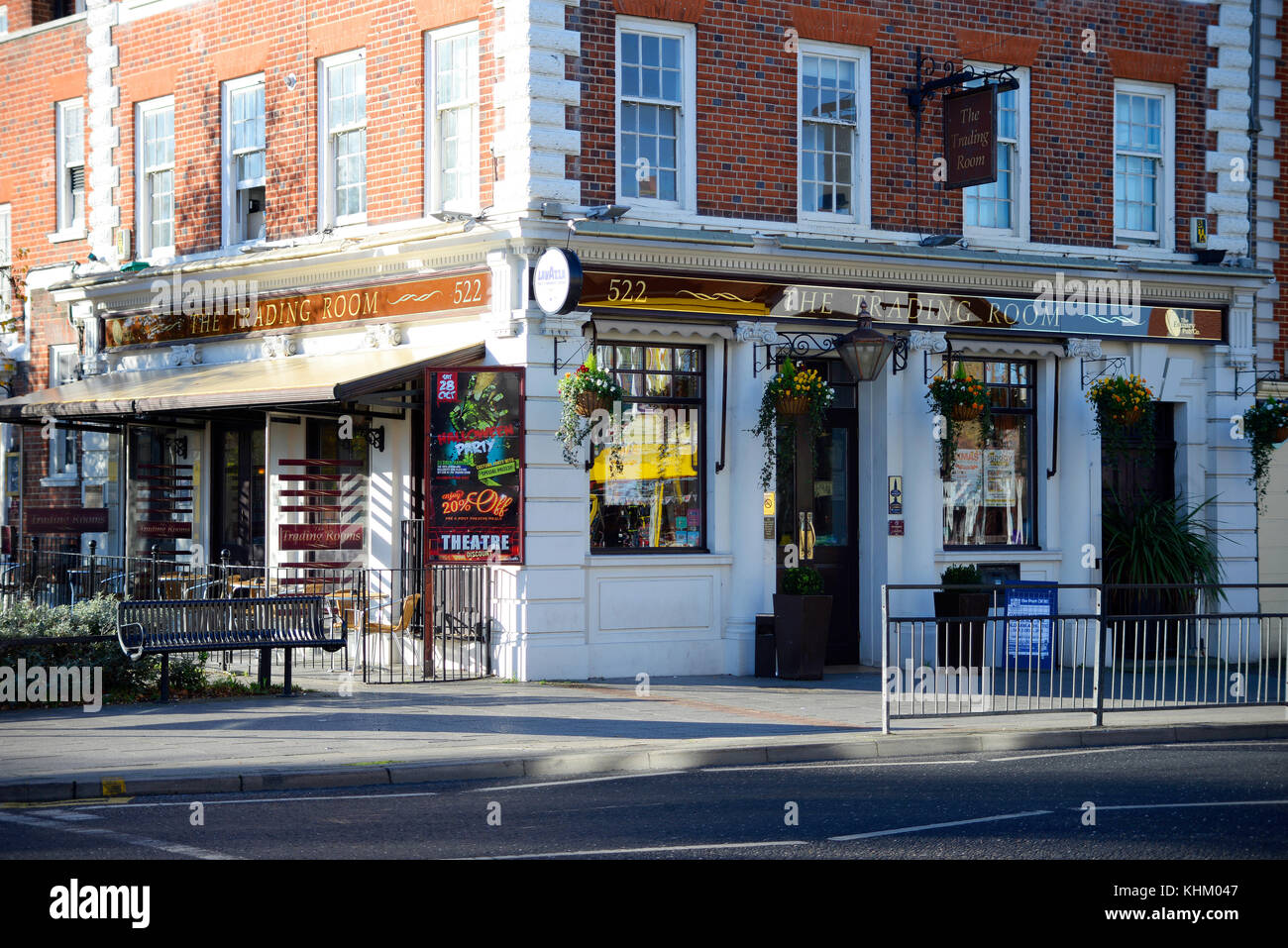 The Trading Room pub in Westcliff on Sea, Essex. Was a Natwest bank Stock Photo