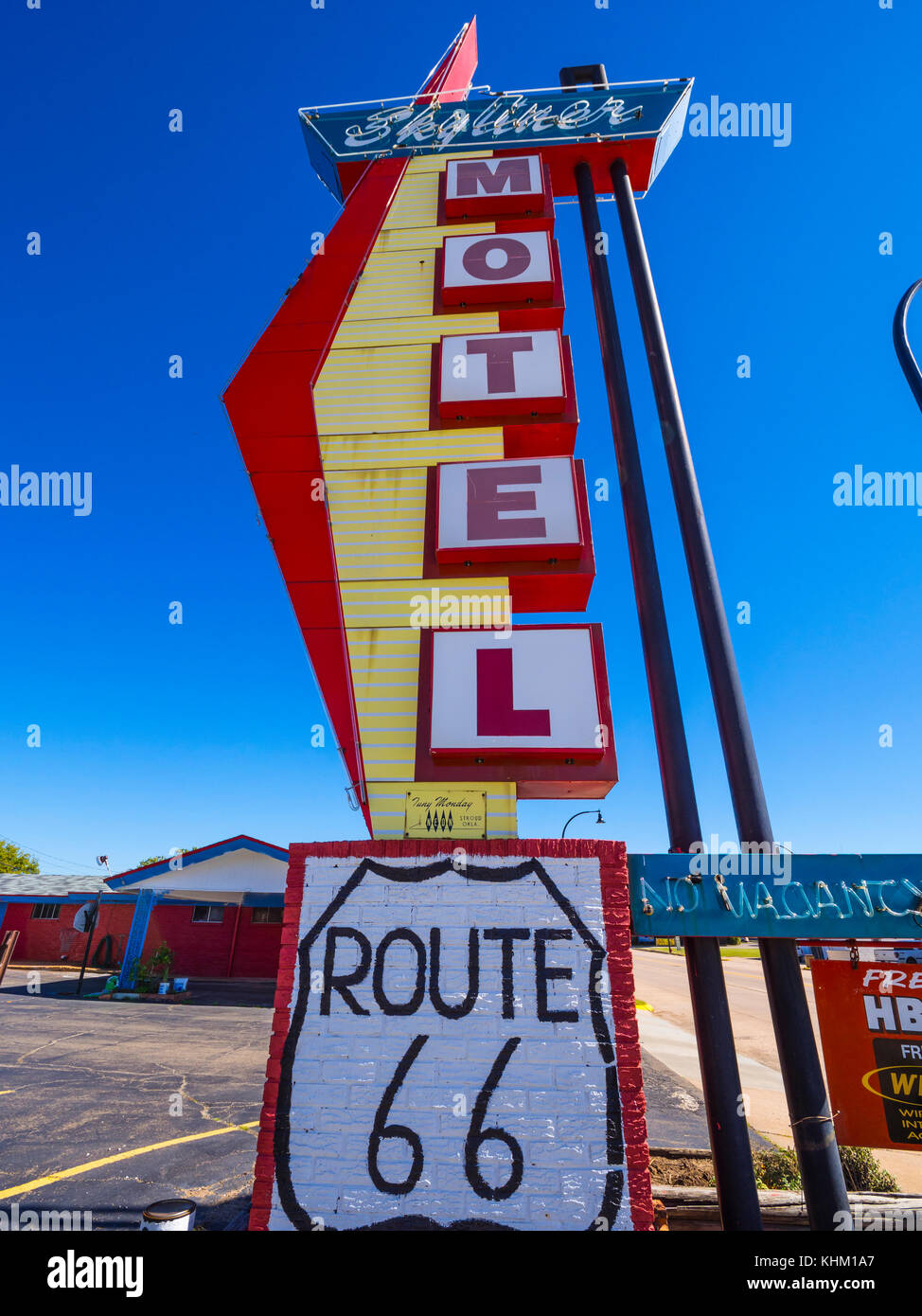 Stylish Skyliner Motel at Route 66 - STROUD / OKLAHOMA - OCTOBER ...