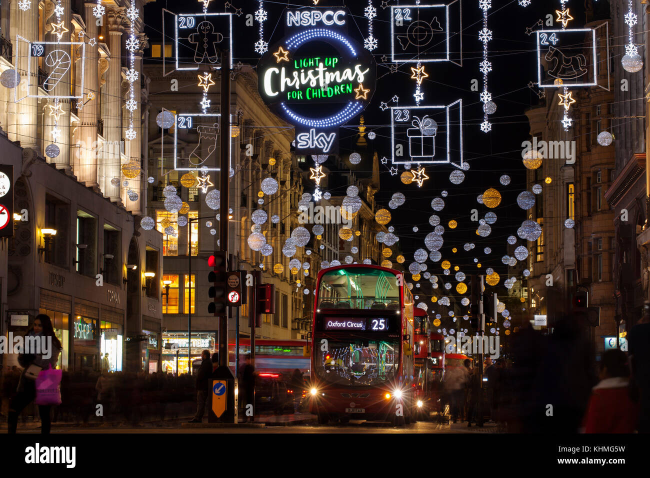Oxford Street Weihnachtsbeleuchtung.London Uk November 17th 2017 Christmas Lights On Oxford Street