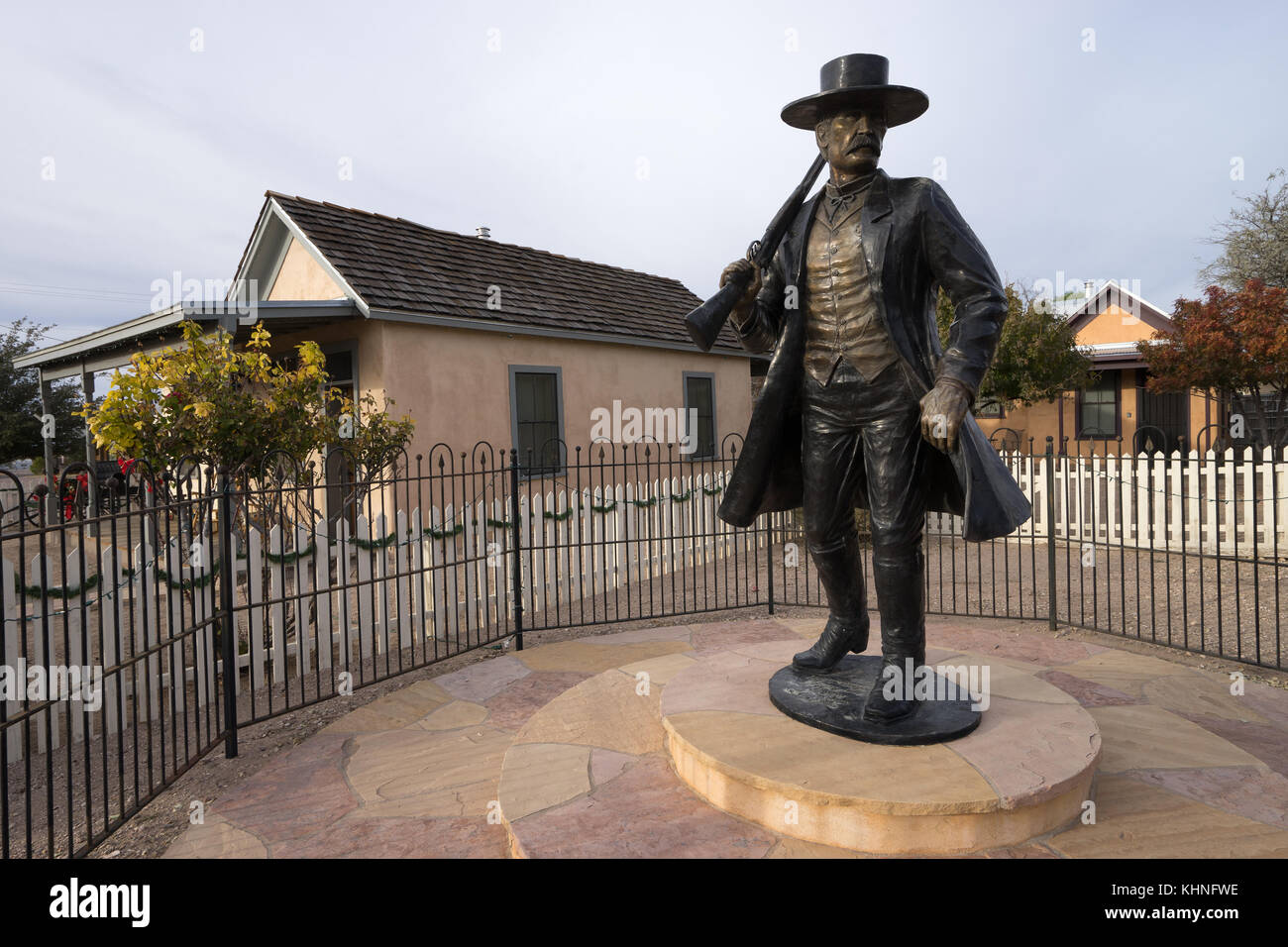Wyatt Earp statue in Tombstone Arizona - Stock Image