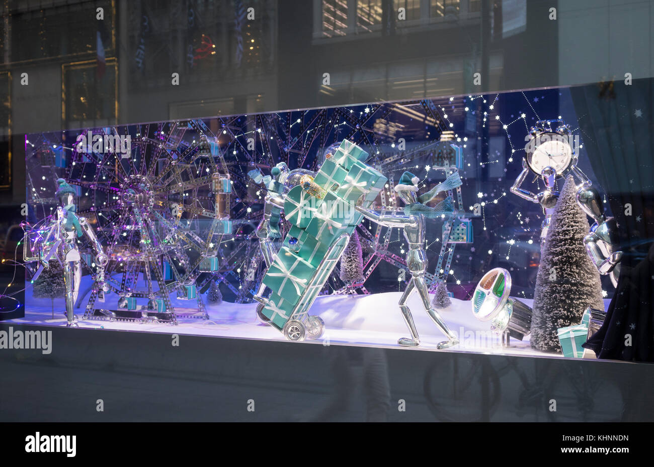 7680a8412b6ef Tiffany   Co on Fifth Avenue in New York City  the famous holidays window  displays