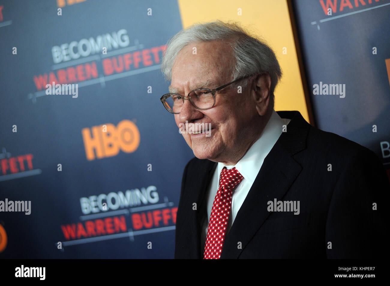 NEW YORK, NY - JANUARY 19: Warren Buffett attends the 'Becoming Warren Buffett' World Premiere at The Museum - Stock Image