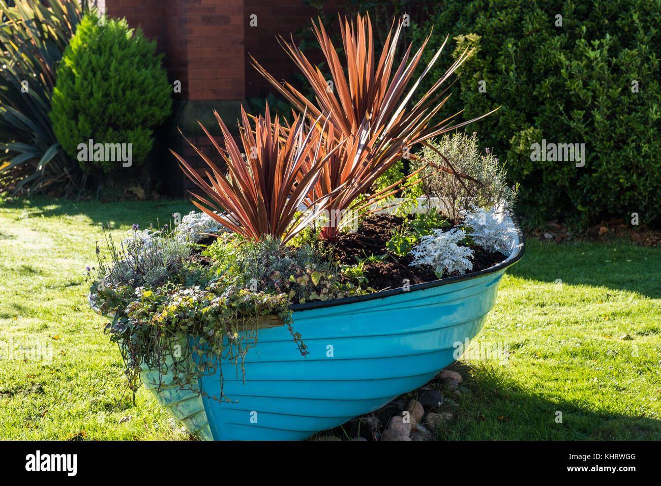 Boat Planter Stock Photos & Boat Planter Stock Images - Alamy on wooden powerboat, wooden tube, wooden airboat, wooden cruiser, wooden yacht, wooden pontoon, wooden sloop, wooden speedboat, wooden barge, wooden warship, wooden motorboat, wooden sailboat, wooden cannon, wooden boat, wooden catamaran, wooden trawler, wooden pirogue, wooden ship, wooden houseboat, wooden rowing shell,