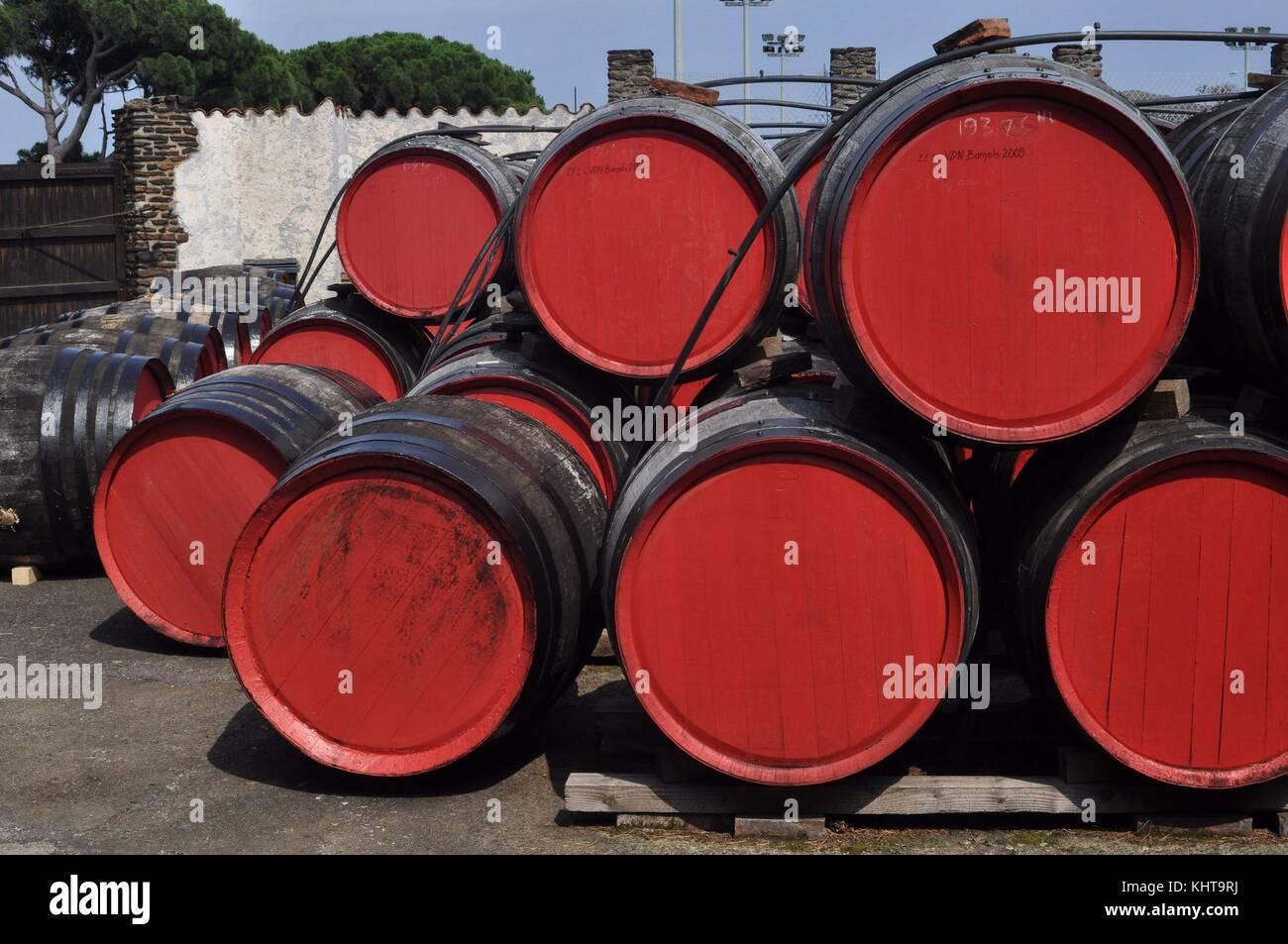 BARRELS OF WINE, LE TEMPLIERS, BANYULS, FRANCE - Stock Image