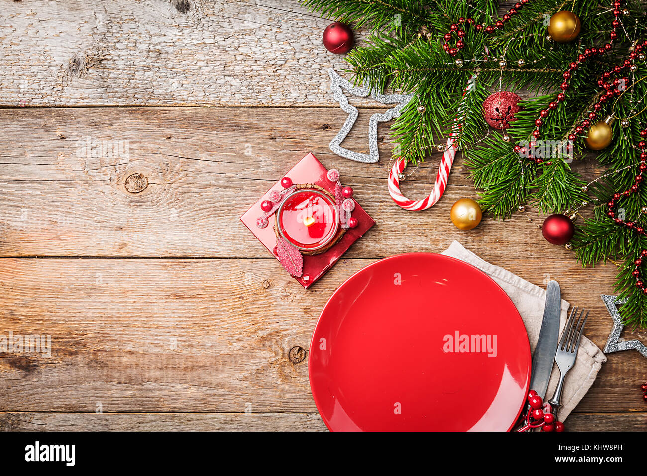 Tremendous Christmas Table Place Setting With Empty Red Plate And Download Free Architecture Designs Grimeyleaguecom