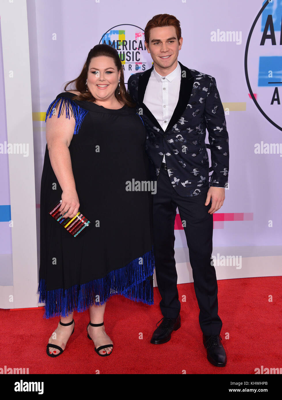 Los Angeles, USA. 19th Nov, 2017. Chrissy Metz, KJ Apa 119 arrives at the 2017 American Music Awards at Microsoft - Stock Image