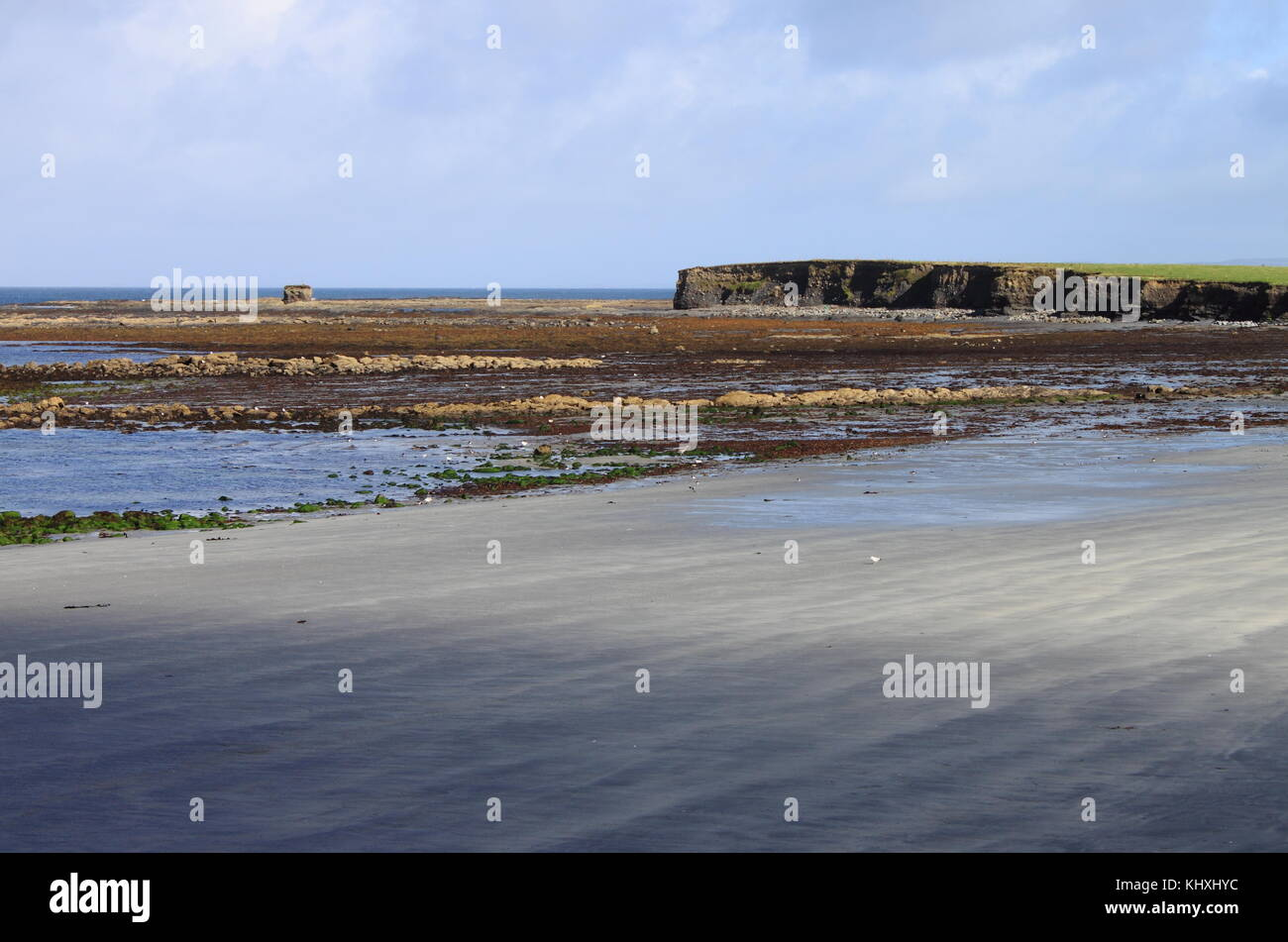 Low tide in County Clare, Ireland - Stock Image