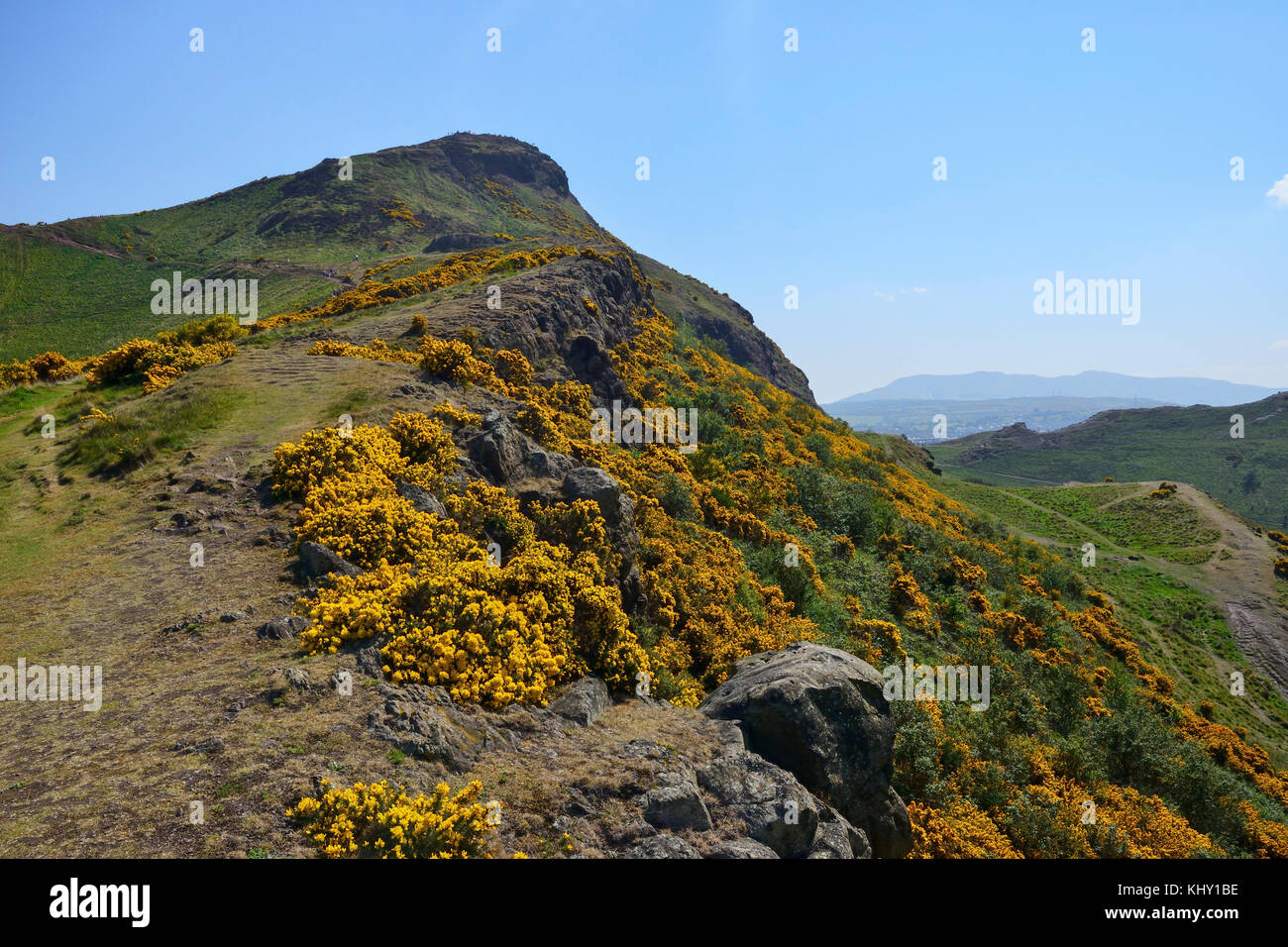 Ascent up Whinny Hill to Arthur's Seat in Holyrood Park, Edinburgh, Scotland - Stock Image