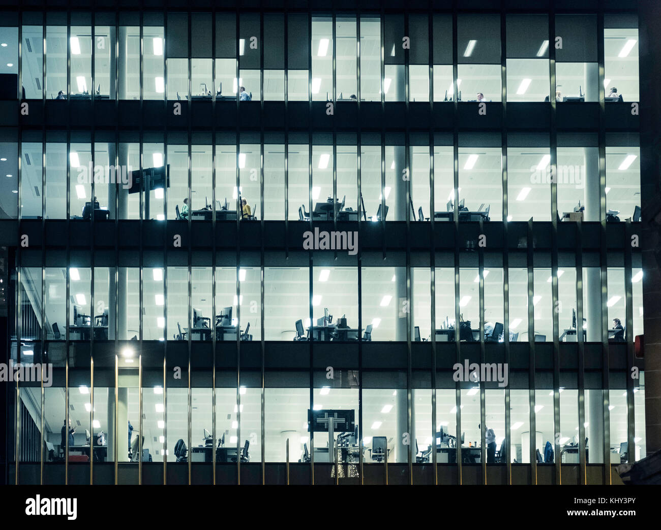 View of offices at night in Aberdeen Standard building on St Andrews Square in Edinburgh, Scotland, united Kingdom. - Stock Image