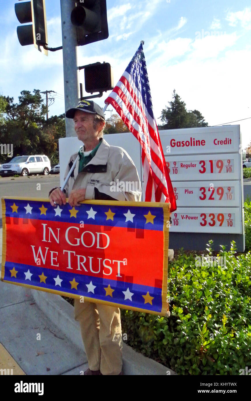 man named tom demonstrates for god and country in calif Stock Photo
