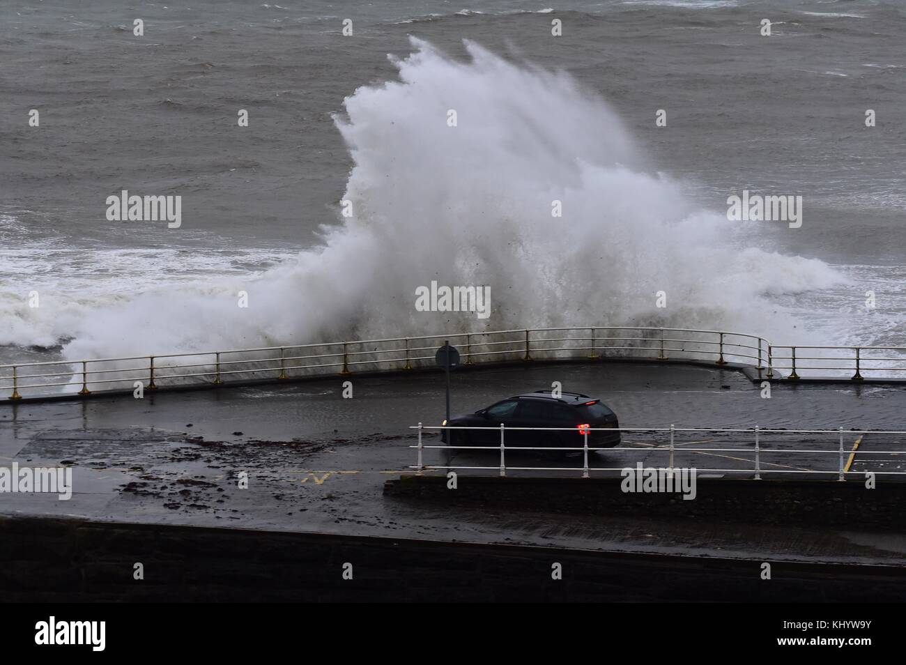 Aberystwyth Wales UK, Wednesday 22 November 2017 UK Weather: High tides and strong winds, gusting up to 50 mph, Stock Photo