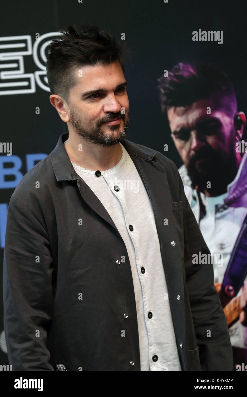 Madrid, Spain. 22nd Nov, 2017. Colombian singer Juanes poses for photographers during the presentation of his concert - Stock Image