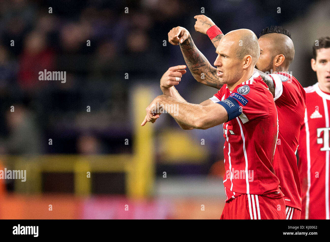 Munich's Arjen Robben indicates that he has to be exchanged during the Champions League soccer match between - Stock Image