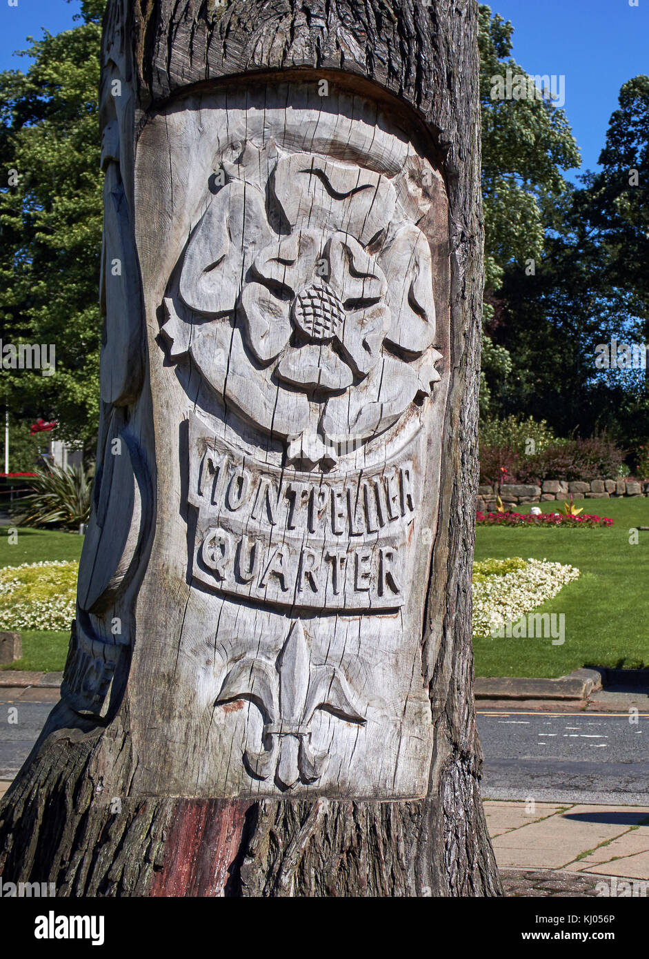 England, NorthYorkshire, Harrogate, spa town, Montpellier Quarter; trong of tree sculpture;  Has the memory of the - Stock Image