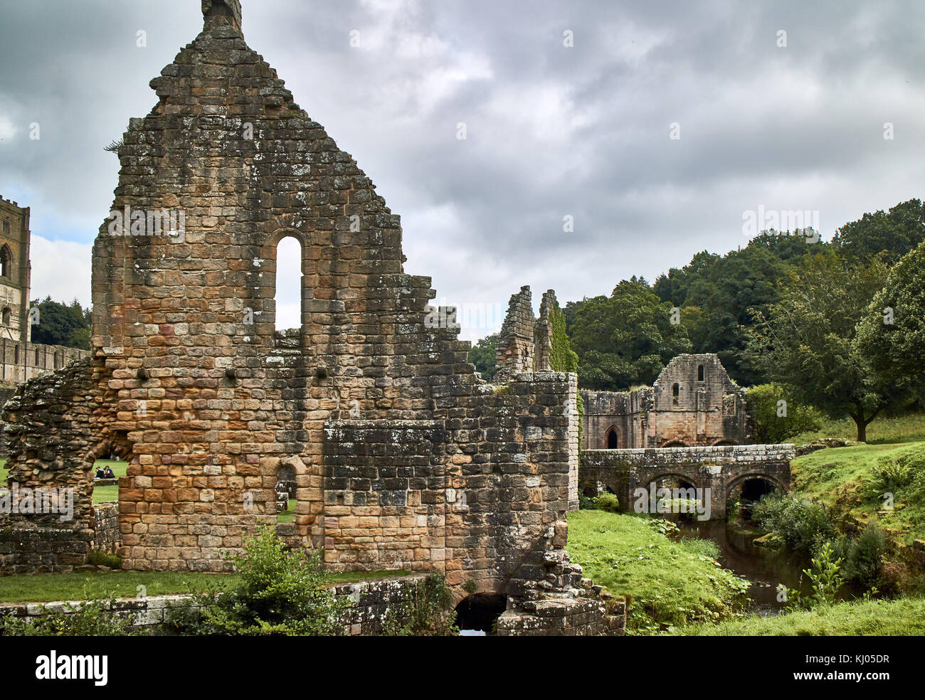 England, NorthYorkshire; the ruins of the 12th century Cistercian Abbey known as Fountains Abbey, one of the finest - Stock Image