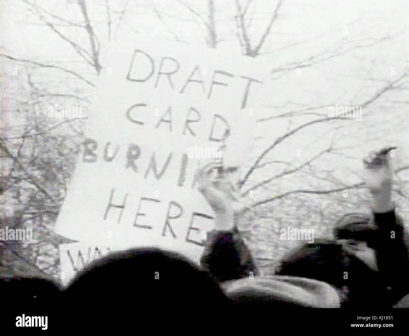 Draft card burning NYC 1967 - Stock Image
