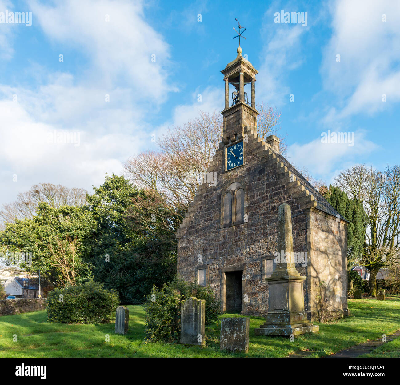 Lochwinnoch,Scotland,UK-November 18,2017: The early 18th-century St John's Church, also known as 'Auld Simon' - Stock Image