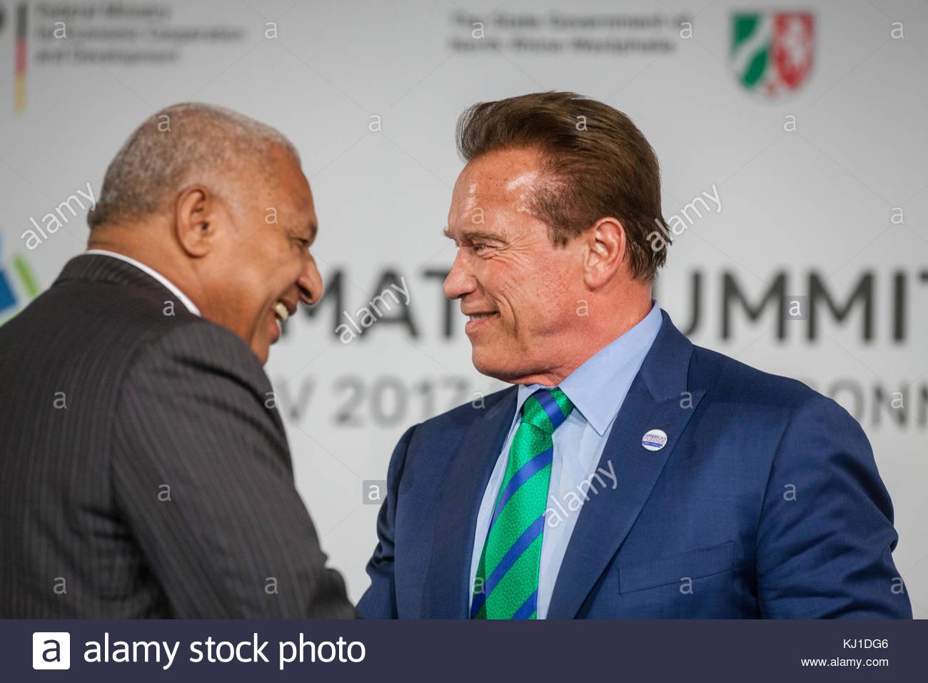 Bonn, DEU, 12.11.2017  Premierminister Frank Bainimarama (Fidschi) und Arnold Schwarzenegger beim Climate Summit - Stock Image