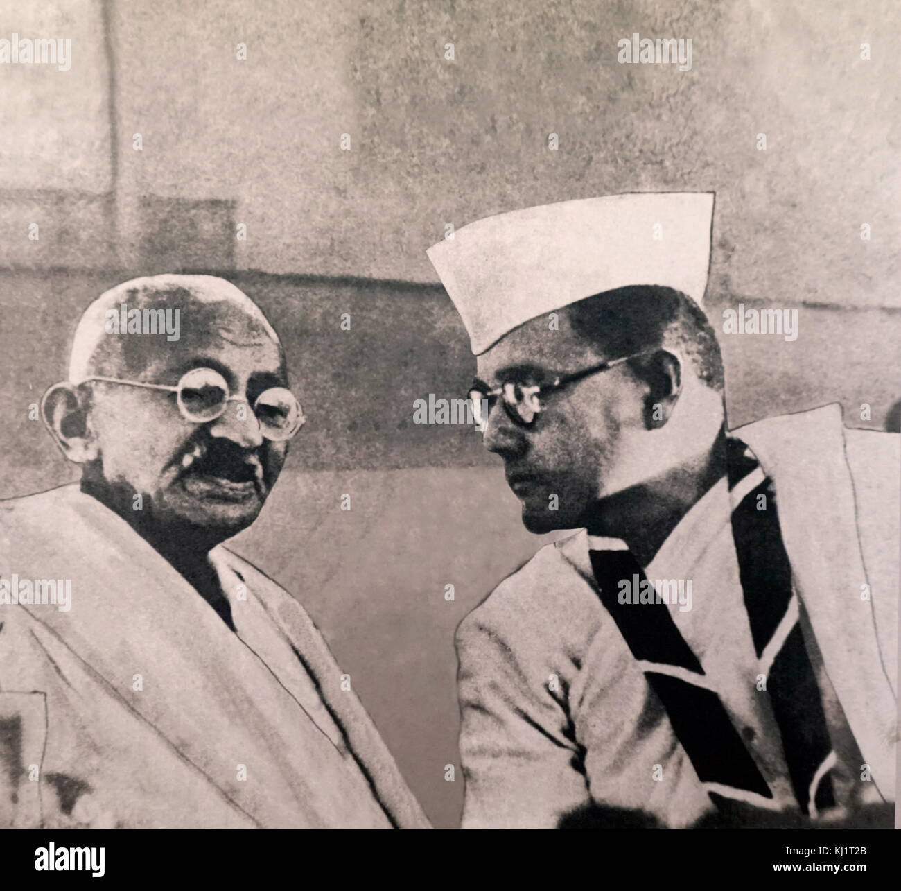 Mahatma Gandhi (left), campaigner for Indian independence, speaks to Subhas Chandra Bose, in Haripura during the - Stock Image
