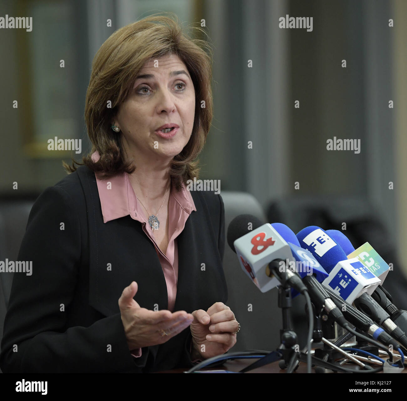 Washington, Estados Unidos. 21st Nov, 2017. Colombian Foreign Minister Maria Angela Holguin delivers a press conference - Stock Image