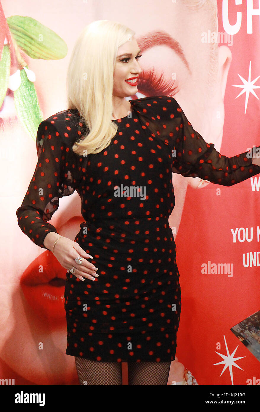 Gwen Stefani Christmas Cd.New York Ny Usa 20th Nov 2017 Gwen Stefani At Target