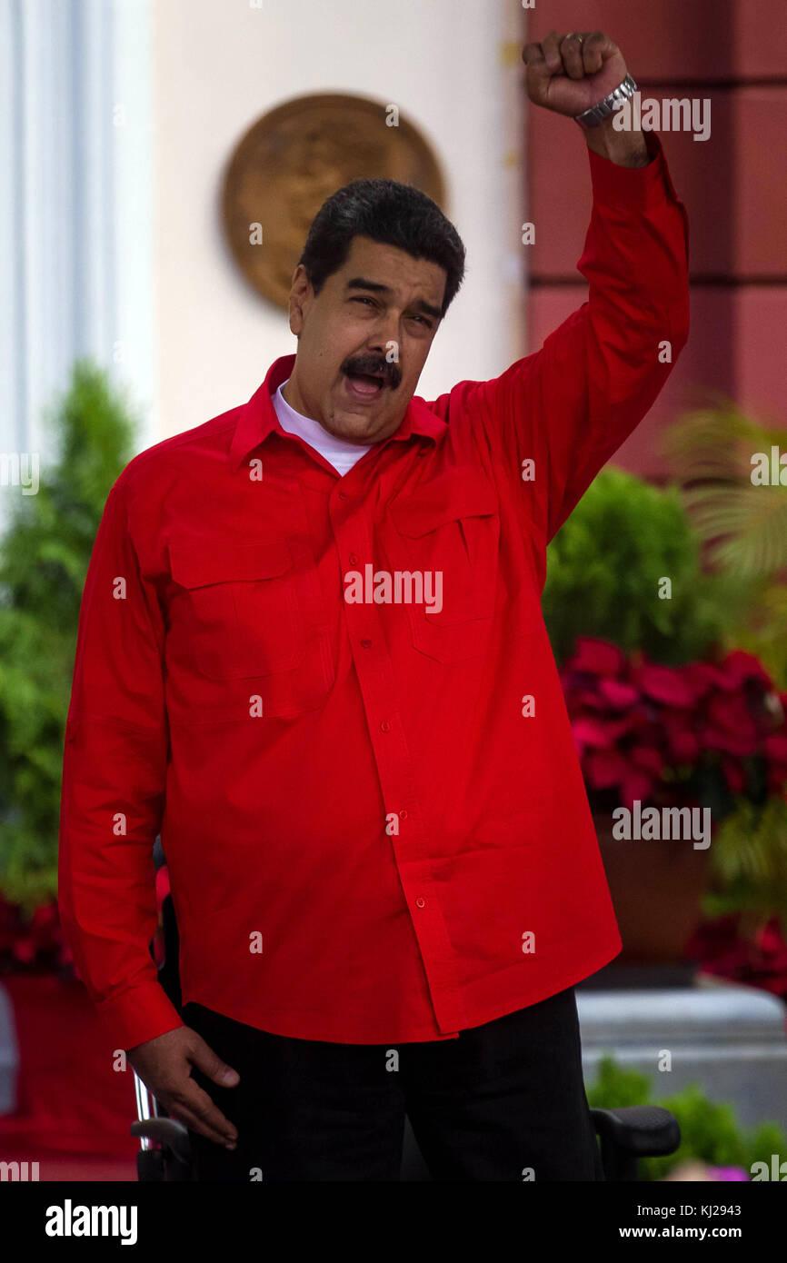 Caracas, Venezuela. 21st Nov, 2017. Venezuelan President Nicolas Maduro speaks at the Miraflores Palace in Caracas, - Stock Image