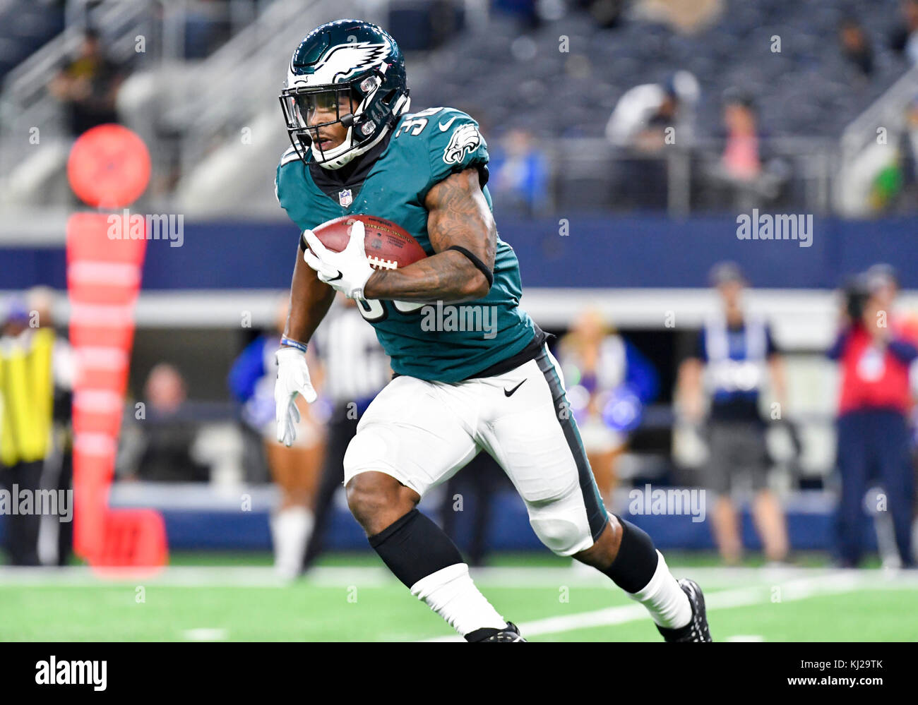 November 19, 2017: Philadelphia Eagles running back Corey Clement #30 carries the ball during an NFL football game - Stock Image