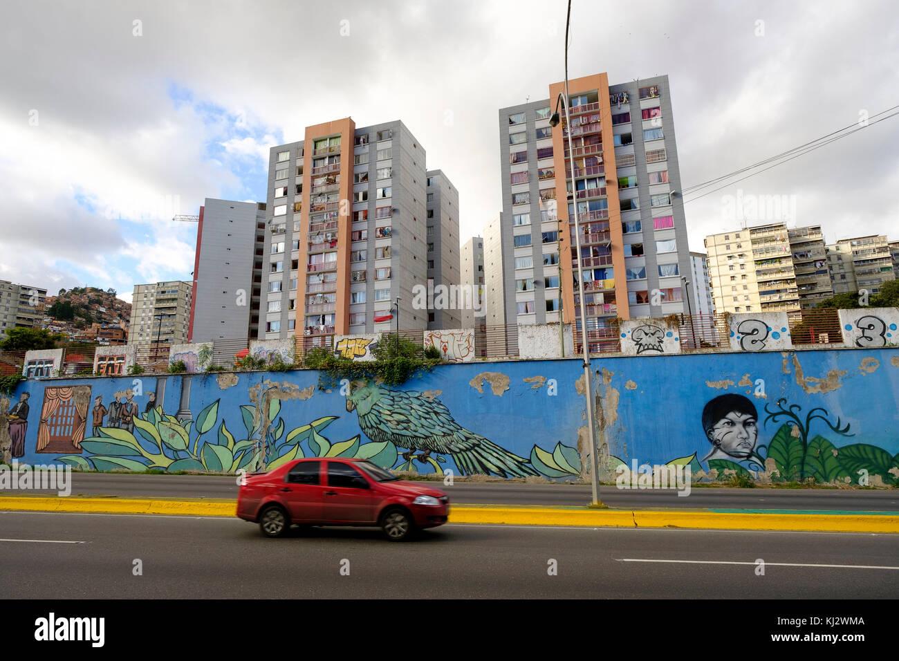 Venezuela, Santiago de Le—n de Caracas: buildings and mural painting - Stock Image