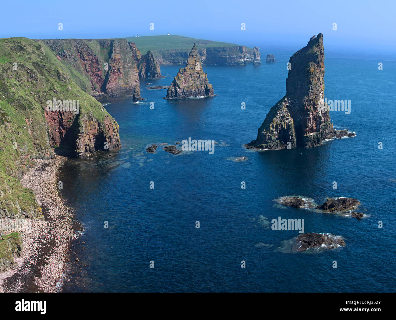 Duncansby Stacks, rock pinnacles south of Duncansby Head near John o' Groats, Caithness, Highland, Scottish - Stock Image