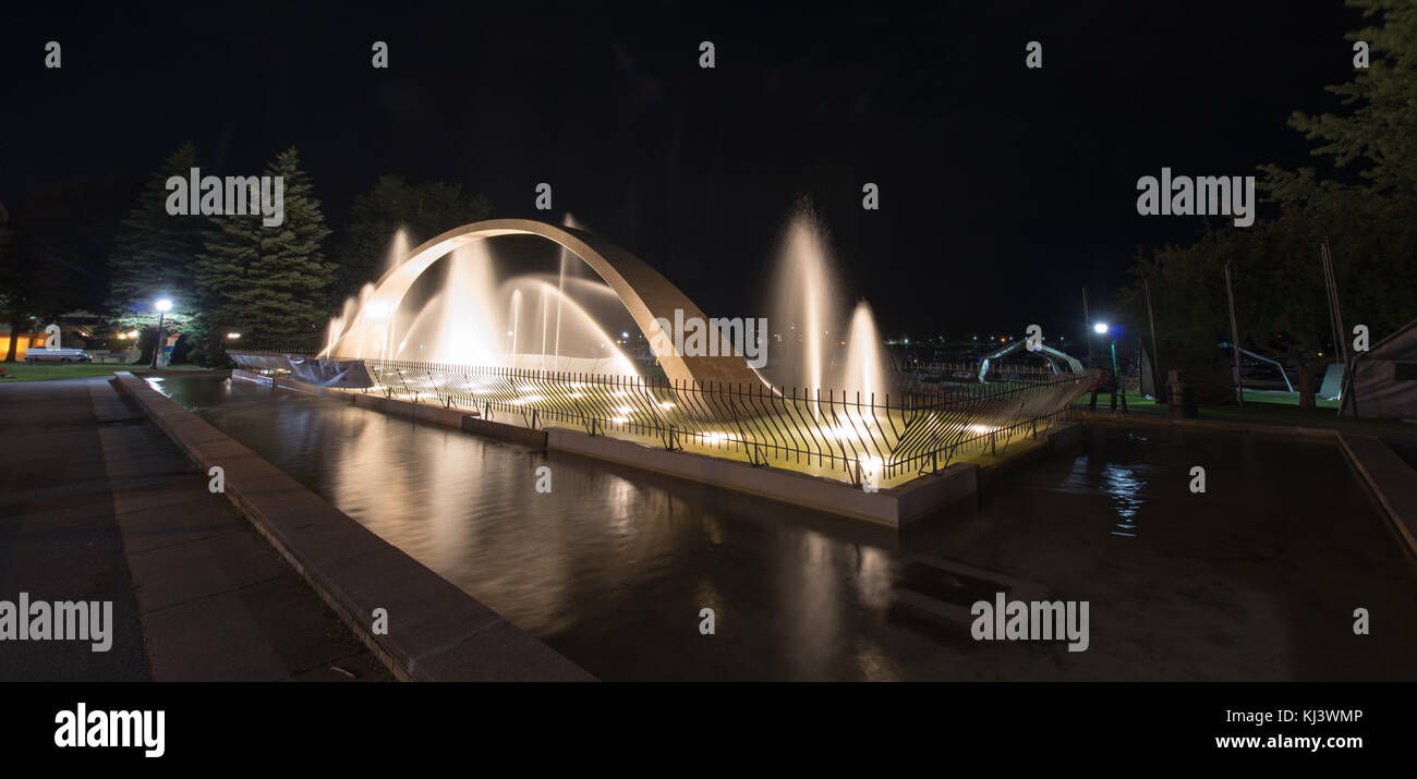 Confederation Arch Fountain at night. Arch represents the aim of fathers of Confederation to unify the provinces - Stock Image