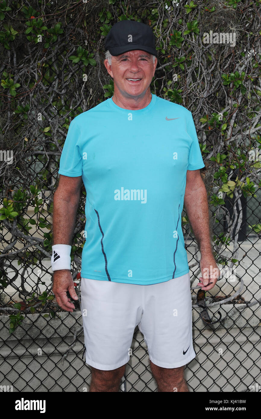 BOCA RATON, FL - NOVEMBER 18: Alan Thicke at The Boca Raton Resort Tennis Center for the 27th Annual Chris Evert/Raymond - Stock Image