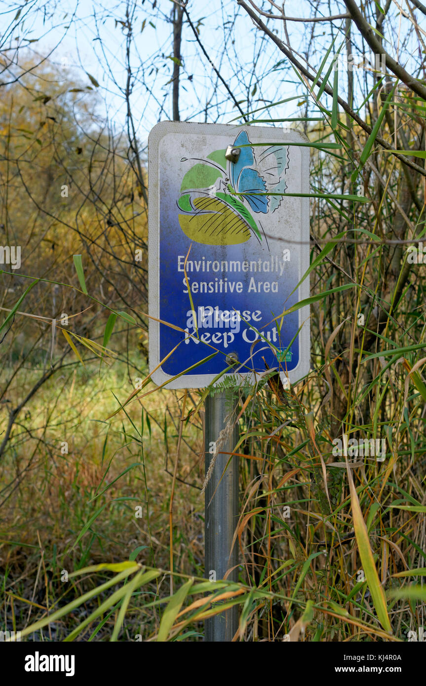 Environmentally sensitive area keep out sign in Jericho Park, Vancouver, BC, Canada - Stock Image