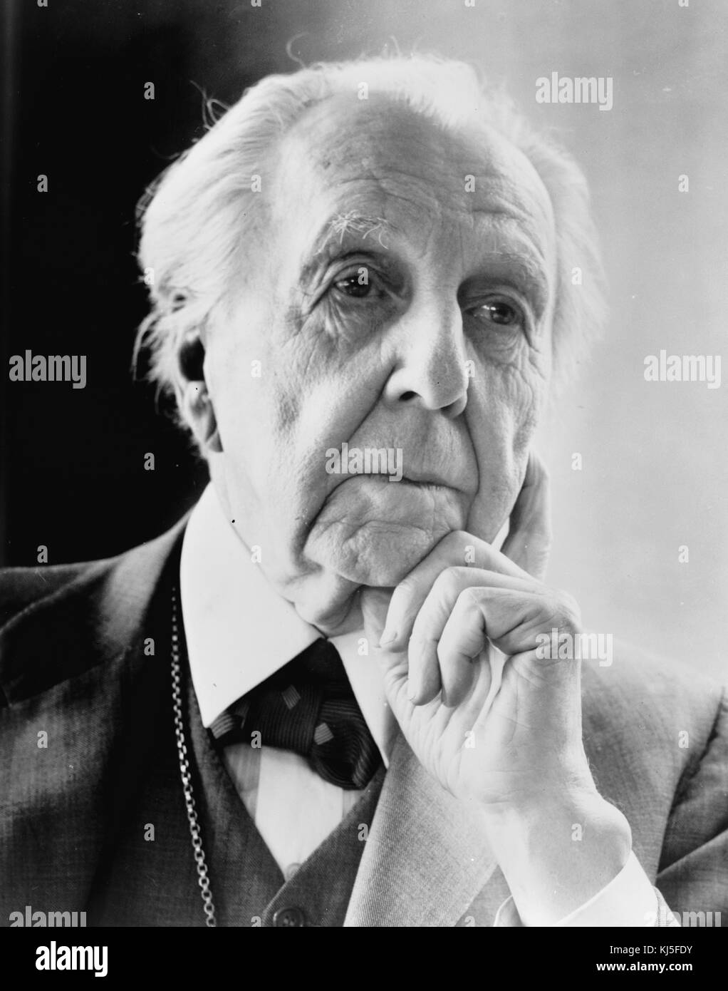 Frank lloyd wright born frank lincoln wright june 8 - Frank lloyd wright structures ...