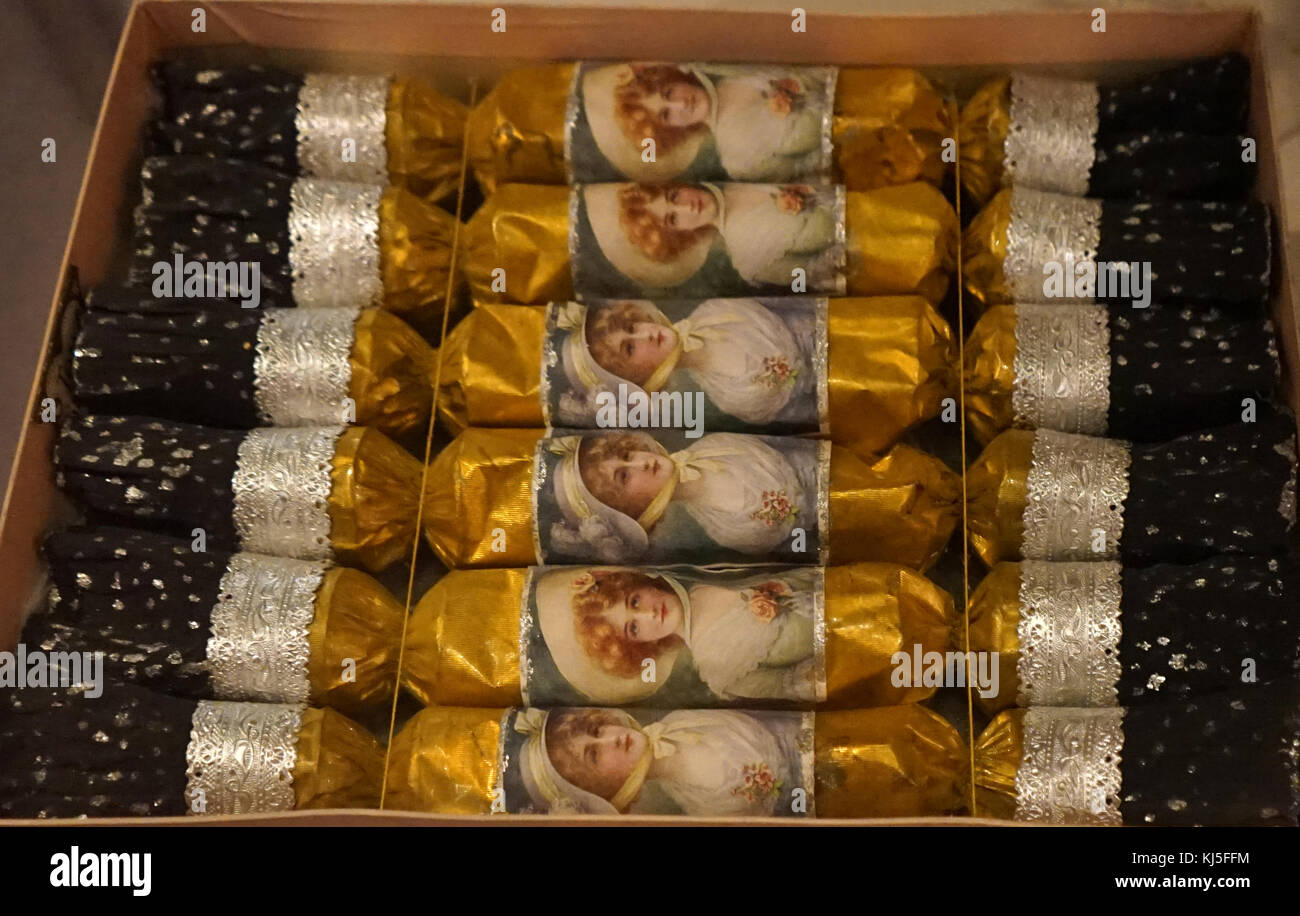 Box of Tom Smith's Christmas Crackers. Dated 20th Century - Stock Image