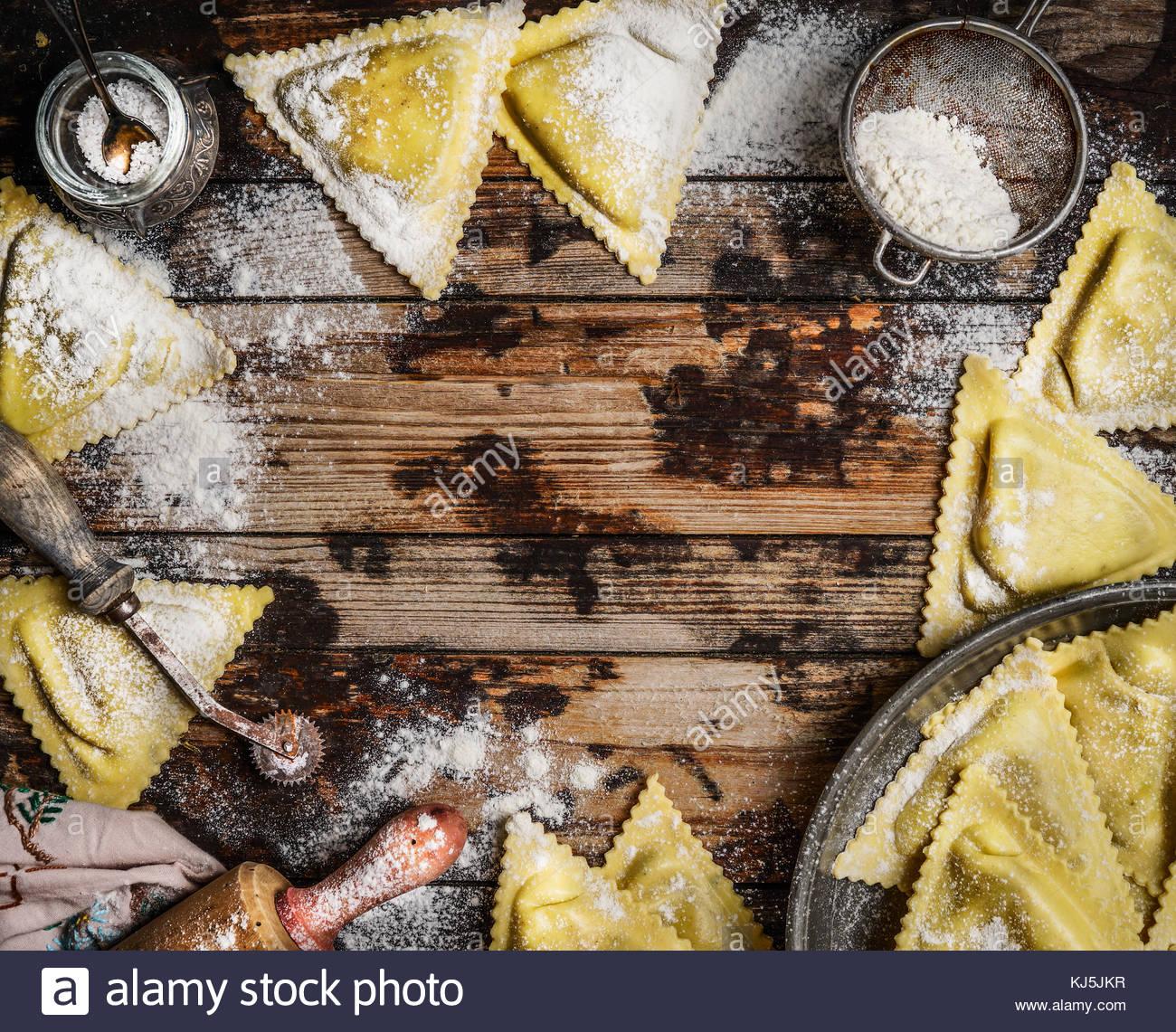 Handmade ravioli Triangoli - Stock Image