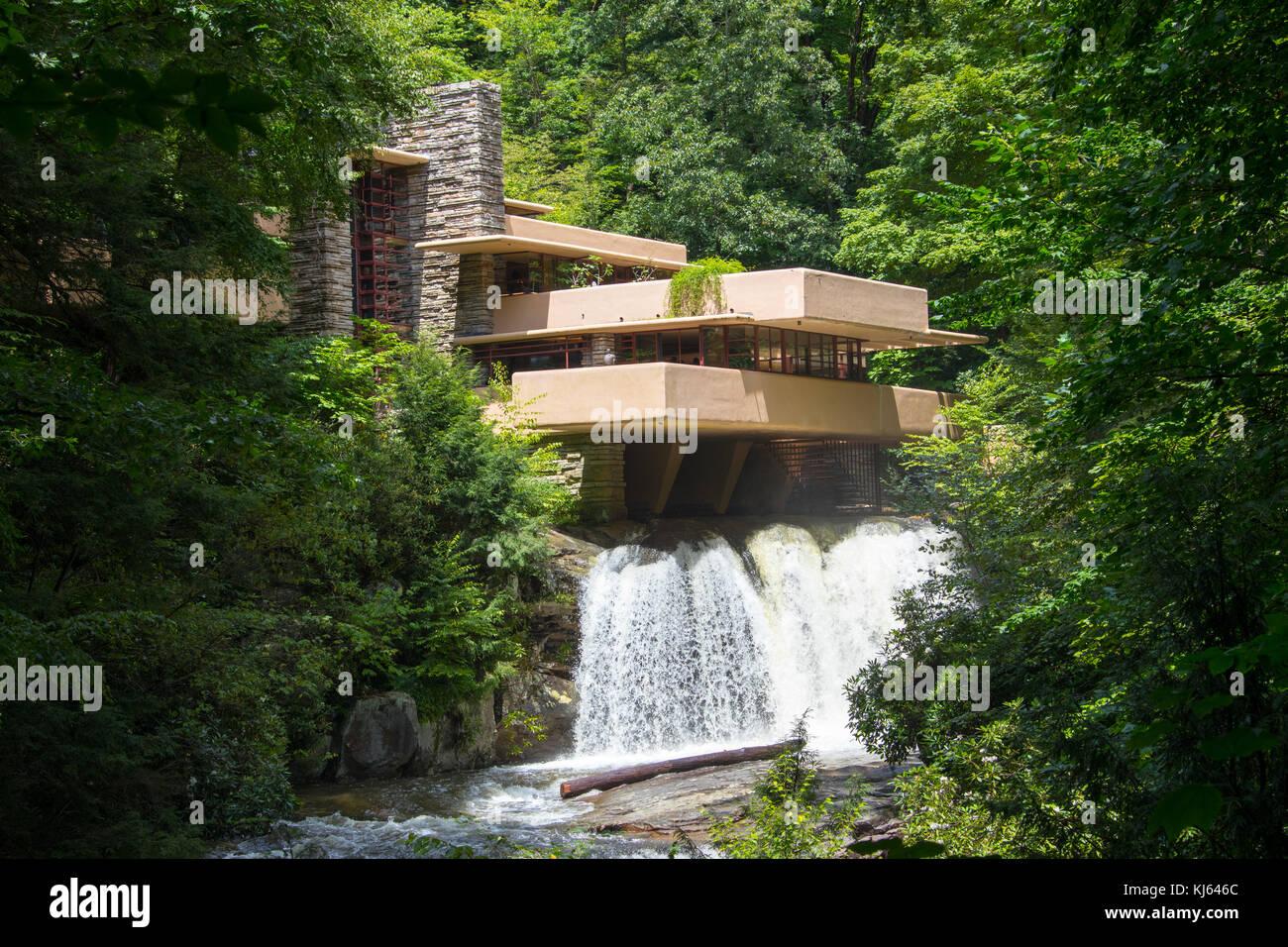 gutes Geschäft klar in Sicht mehrere farben Fallingwater or the Kaufmann Residence, designed by Frank ...