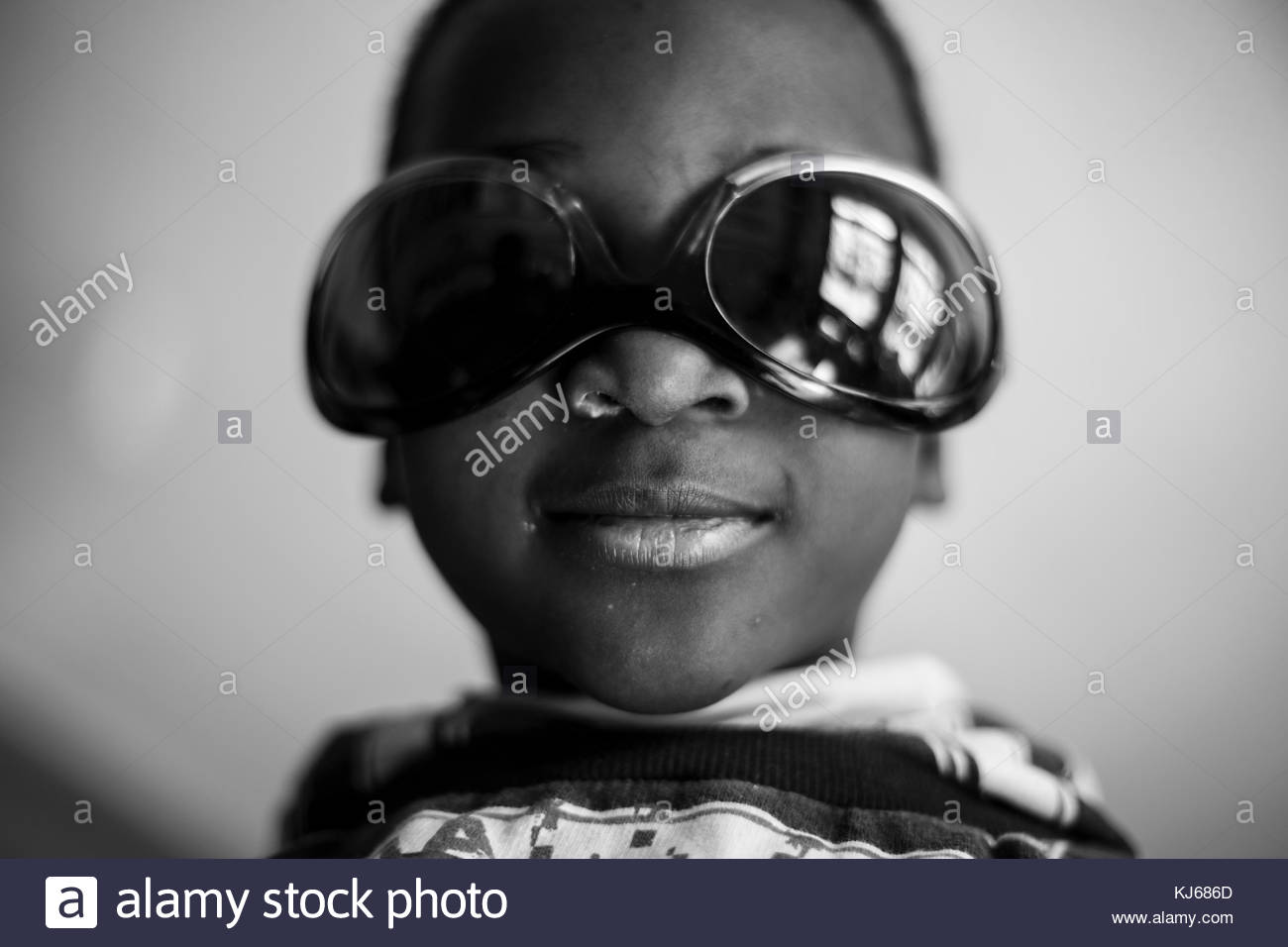 Little boy with sunglasses - Stock Image