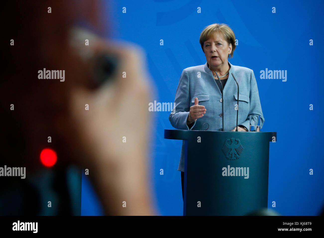BKin Angela Merkel - Treffen der dt. Bundeskanzlerin mit dem franzoesischen Premierminister, Bundeskanzleramt, 15. - Stock Image