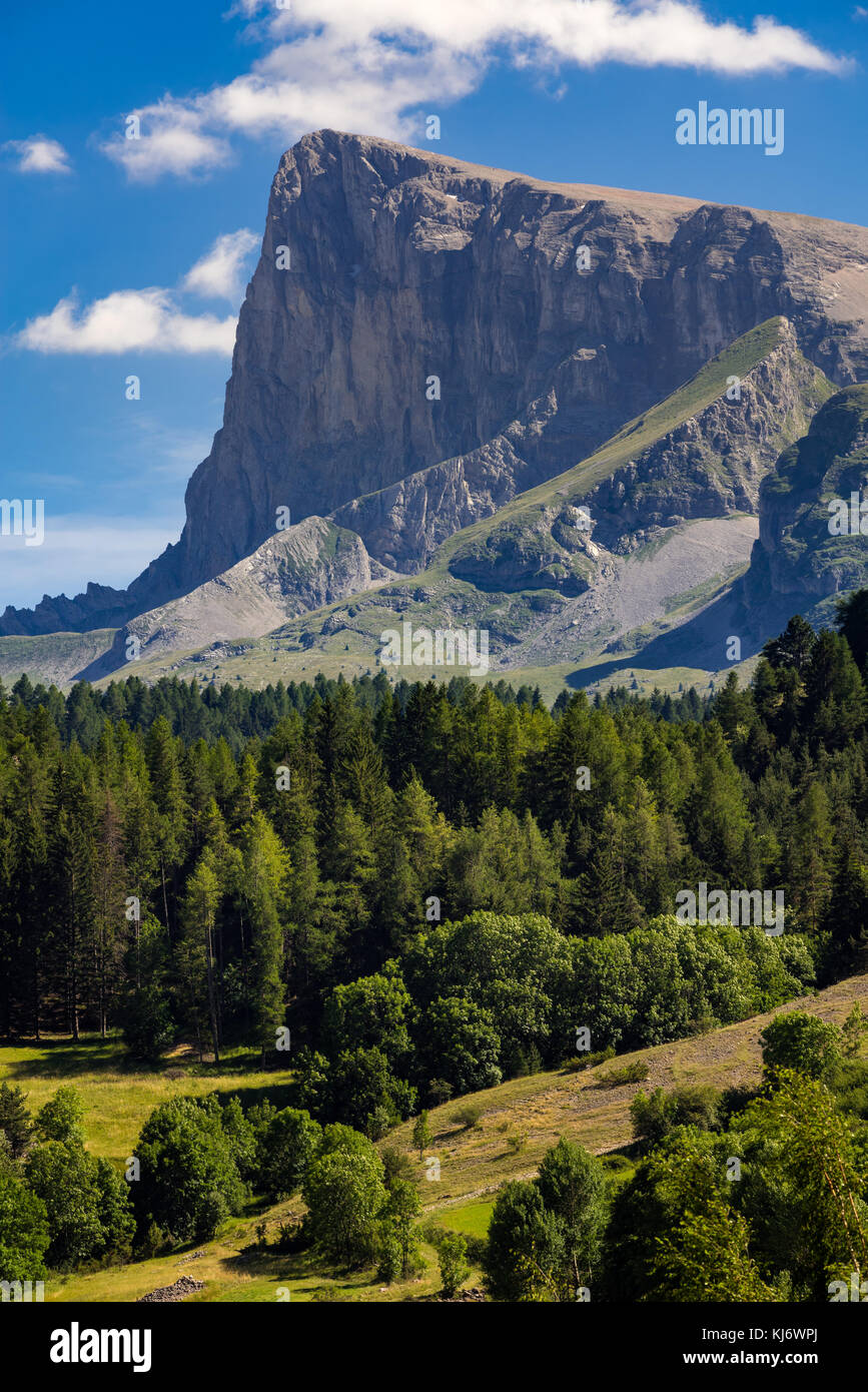 The Bure Peak (Pic de Bure) in Summer. Hautes-Alpes, Devoluy Massif, Southern French Alps, France - Stock Image