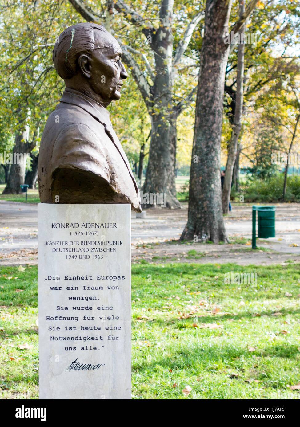 Staue of German chancellor Konrad Adenauer, city park, Budapest - Stock Image