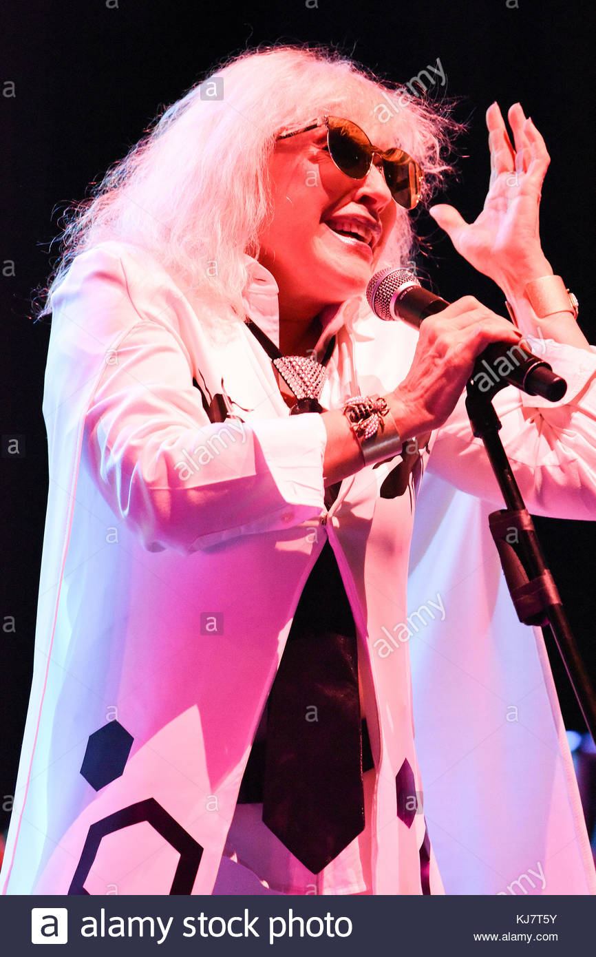 London, UK. 17 November, 2017. Blondie performs at the O2 Academy Brixton. Stock Photo