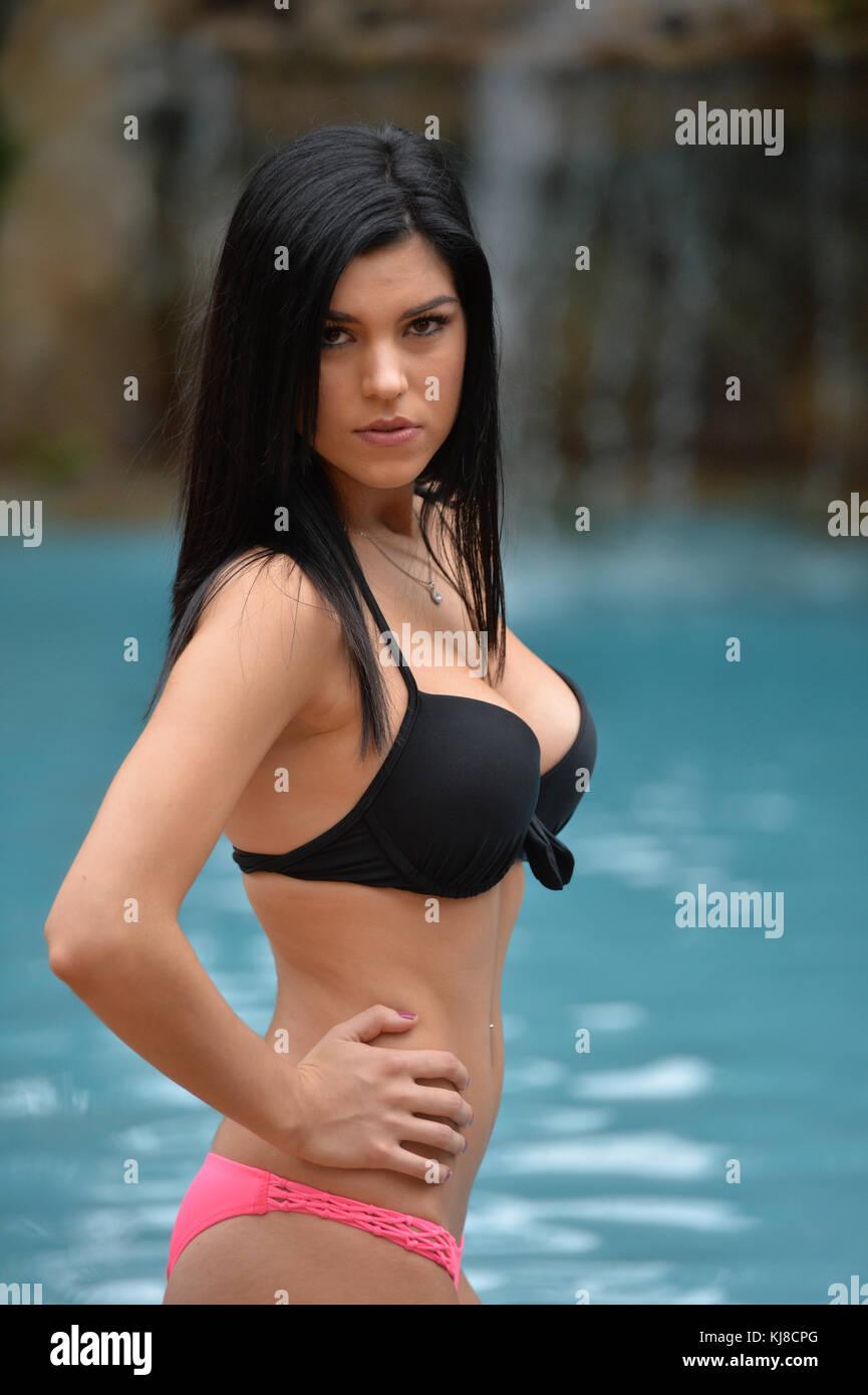 Bikini Arreyon Ford nudes (63 photos), Ass, Cleavage, Feet, butt 2020