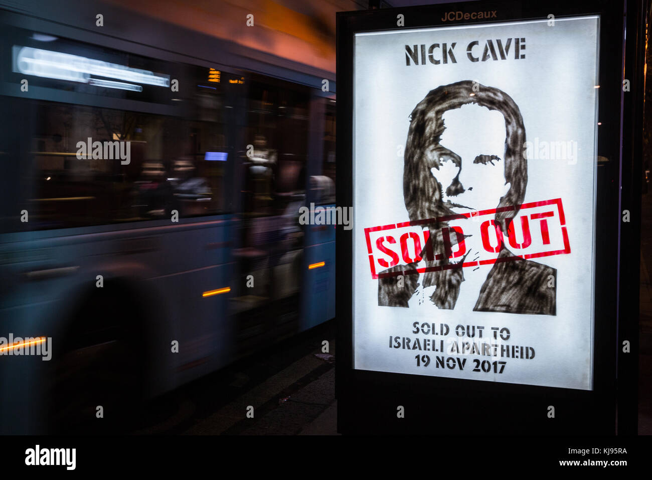 London, UK. 21st November, 2017. Protest stencils accusing Australian musician Nick Cave of 'selling out' - Stock Image