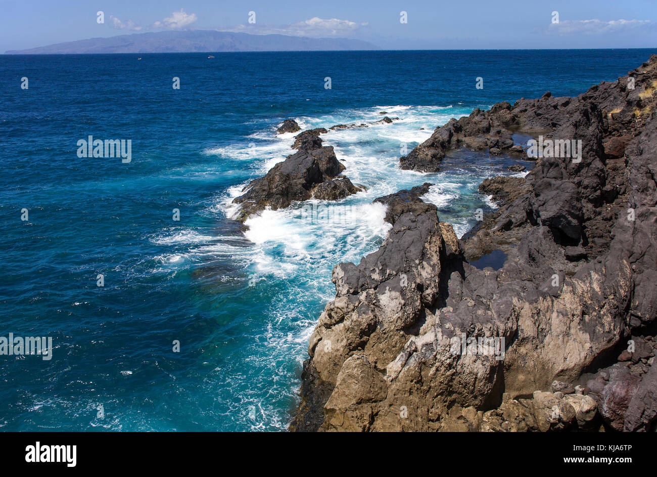 Kueste bei Los Gigantes an der Westkueste, view on rough sea, coast at Los Gigantes, west side of the island, Tenerife - Stock Image