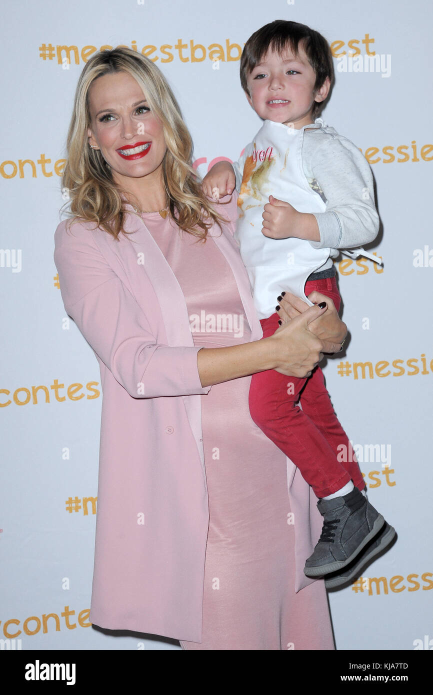 NEW YORK, NY - OCTOBER 25: Molly Sims attends America's Messiest Baby Contest Launch at Maman Bakery Tribeca - Stock Image