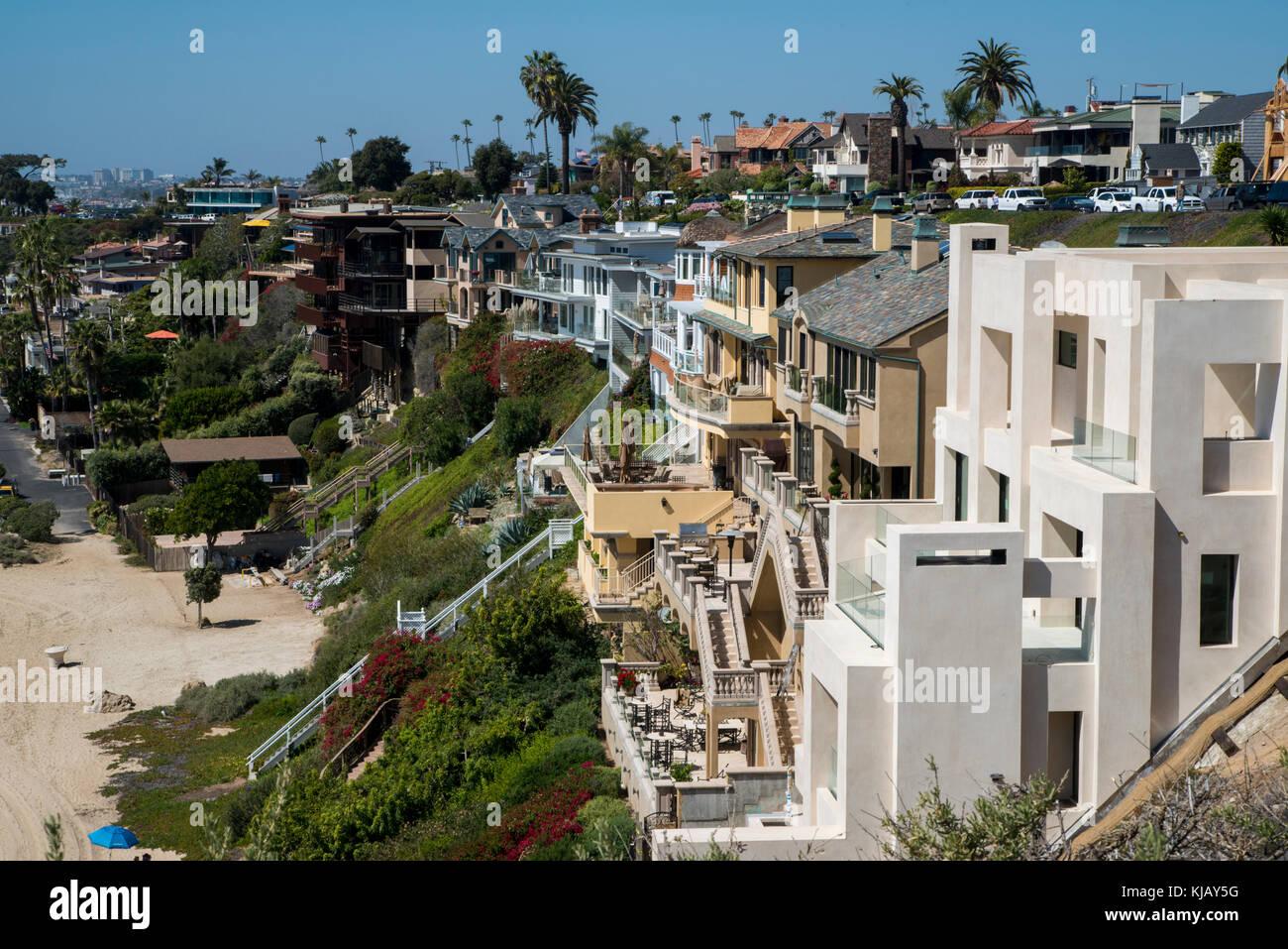 Newport Beach, California. The neighborhood of Corona Del Mar.  Expensive houses line the beach along the  the Pacific - Stock Image