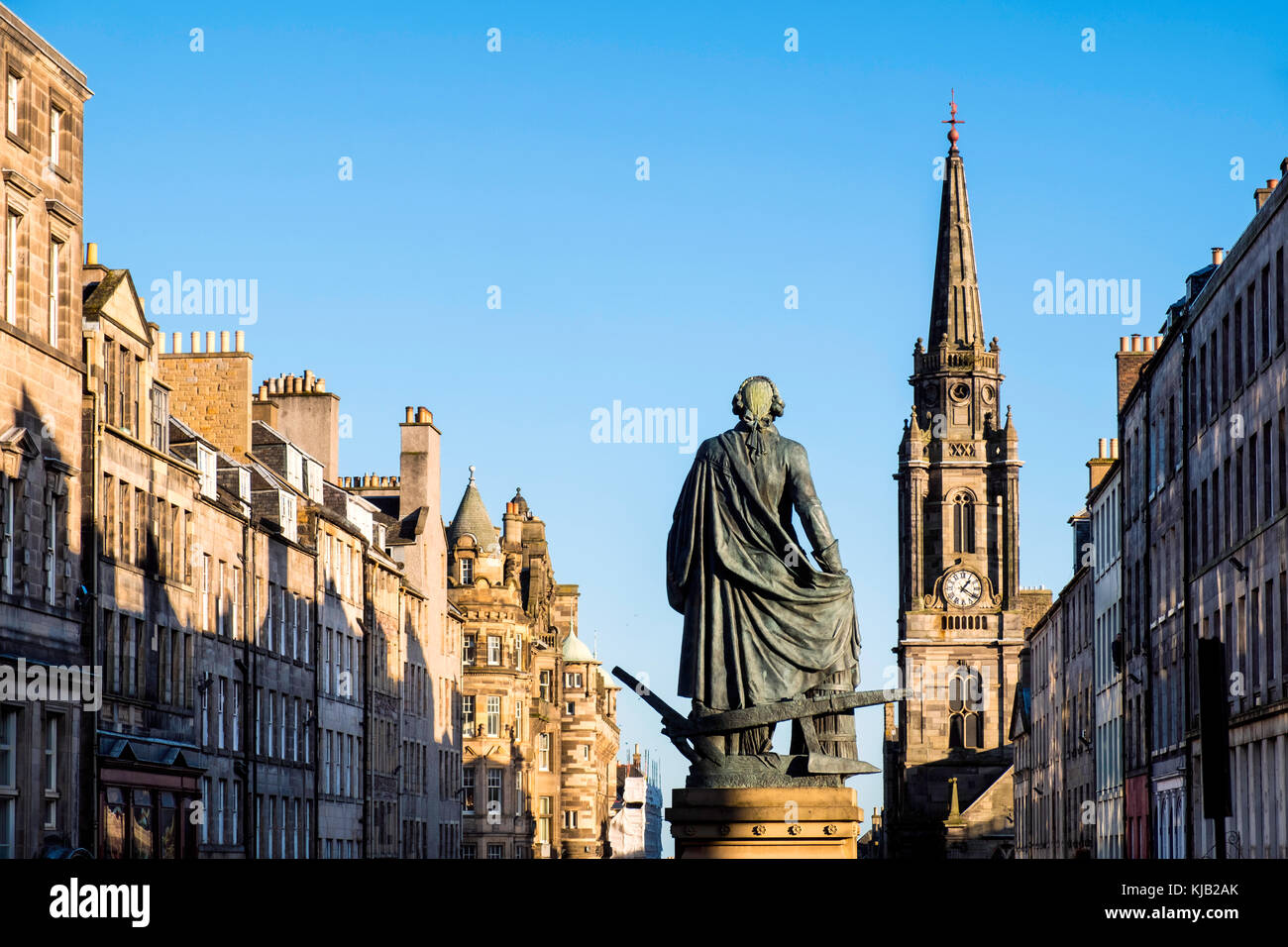 View of statue of Adam Smith on the Royal Mile in Old Town of Edinburgh, Scotland, United Kingdom. - Stock Image