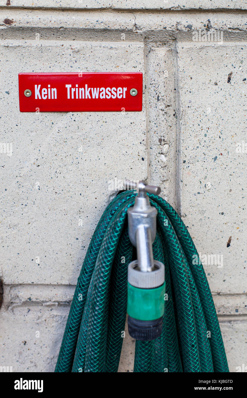 Achtung Kein Trinkwasser Stock Photo