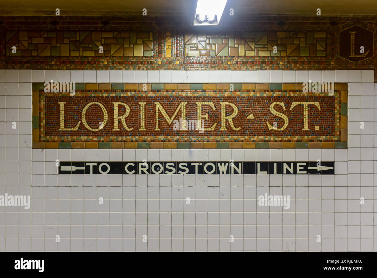 Lorimer Stock Photos Images Alamy Gamis Onthel Series Brooklyn New York October 22 2015 Street Subway Station Sign On